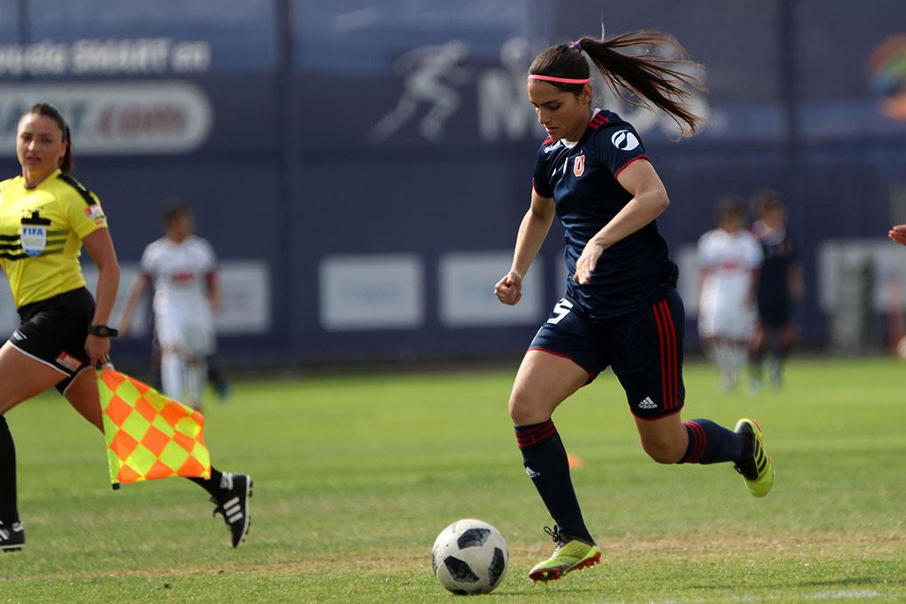 Daniela Zamora cedería su trono de goleadora para la temporada 2021