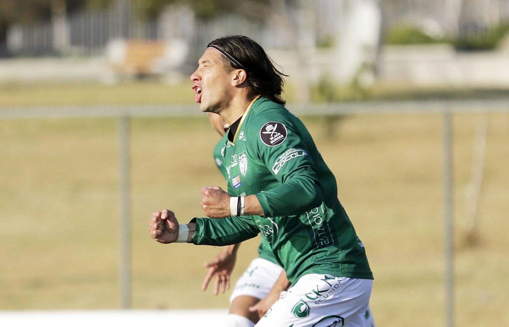 Velásquez vuelve a sumar un triunfo